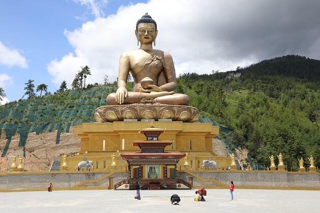 buddha statue - bhutan trek