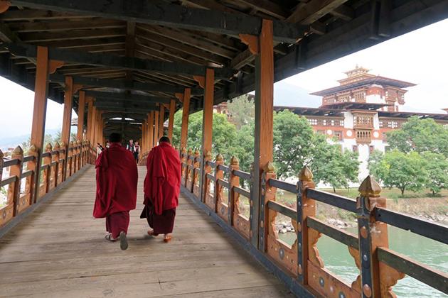Bhutan Greeting and etiquette Visit Dzong Temples