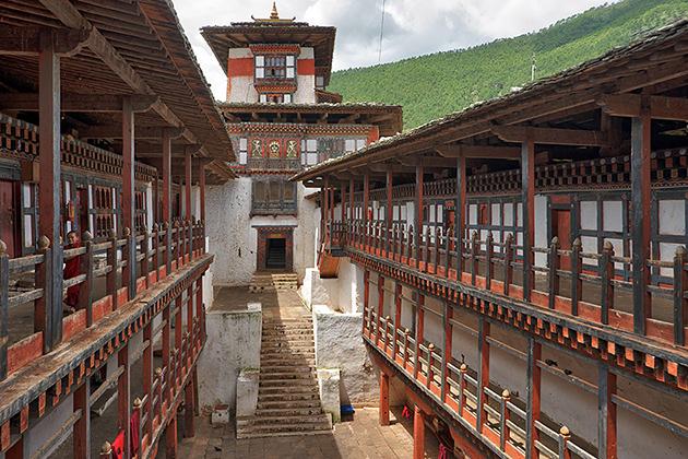 Wangdue Phodrang Dzong -bhutan bike trip package