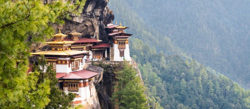 bhutan adventure tour to monastery