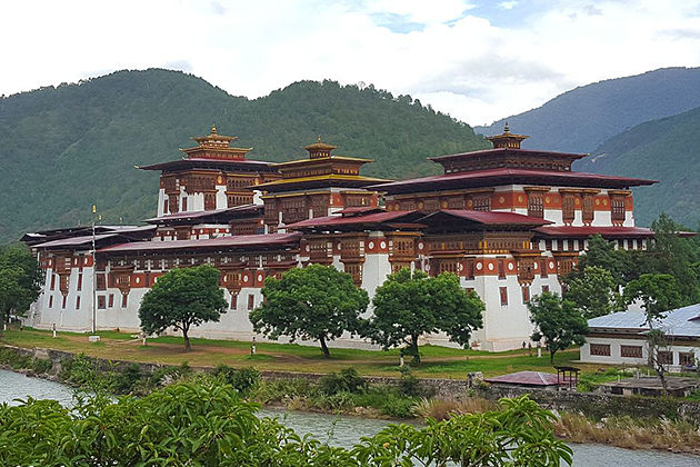 Punakha in Bhutan tour itinerary packages