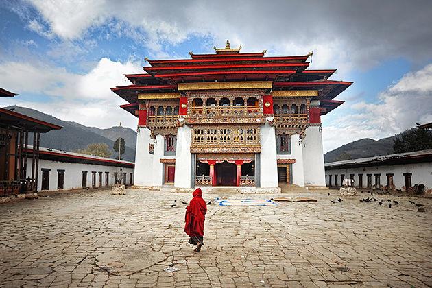 Gangtey monastery - thimphu tsechu tour itinerary