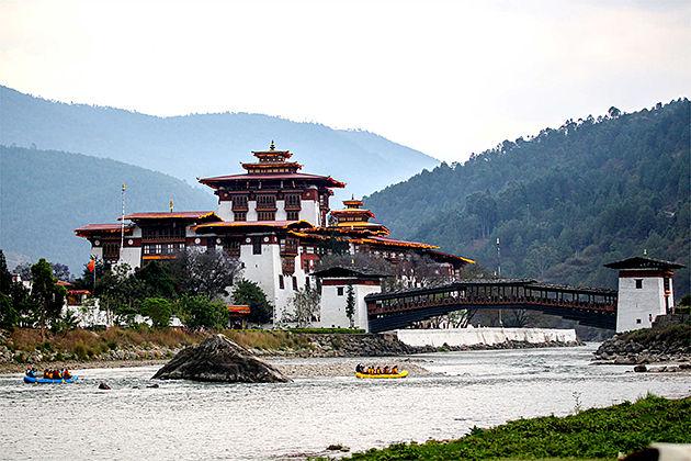 Punakha Dzong - amankora bhutan tourpackages