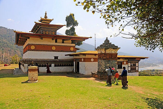 chimi lhakhang temple punakha attractive destinations