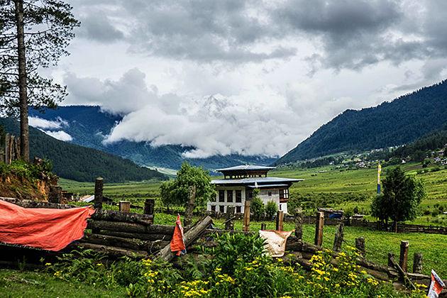 phobjikha valley - bhutan fishing tours