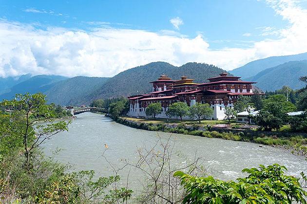 punakha dzong - thimphu festival itinerary