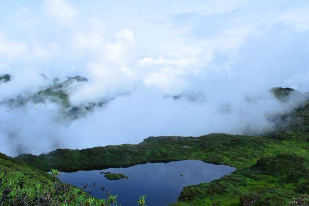 Trek to Geynekha in bhutan trekking tours