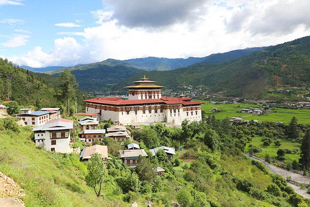 bhutan tours - paro dzong