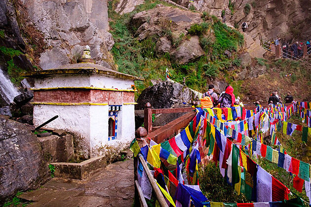 how to reach tiger nest - attraction in Paro