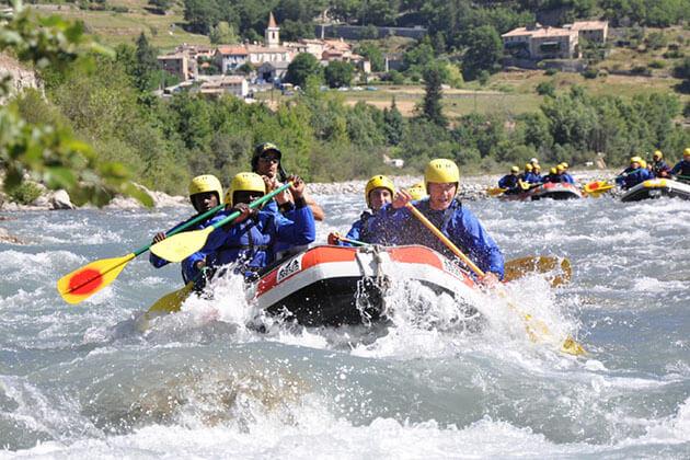 pho chhu - water rafting bhutan