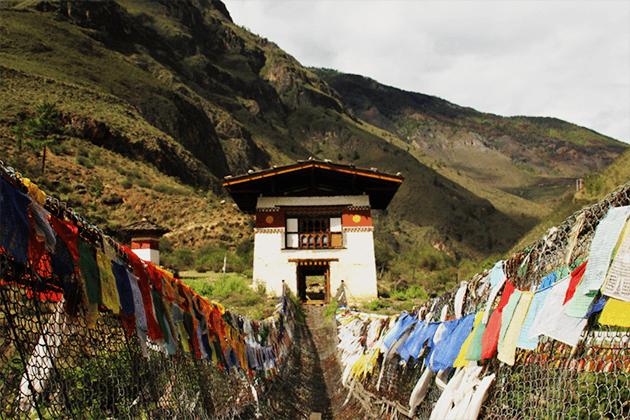 tachogang lhakhang - bhutan rafting tours
