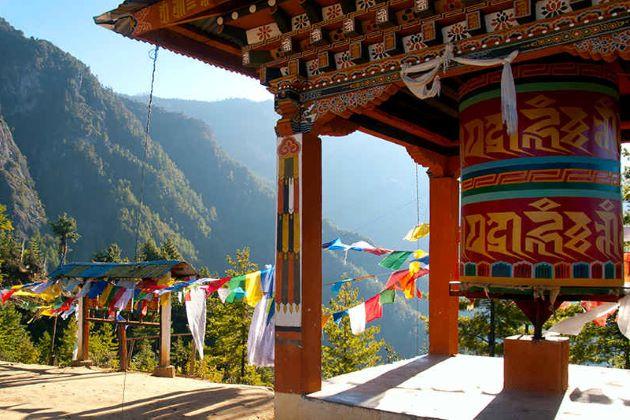 visit tiger nest in bhutan