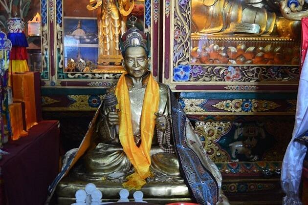 The Statue of Guru Padmasambhava - chimi lhakhang bhutan