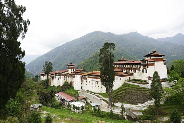 Trongsa dzong - bumthang owl trek in bhutan