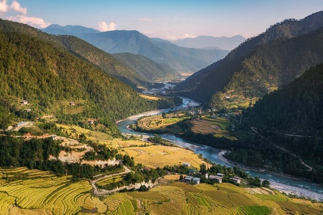 bhutan photography - world travel guide bhutan