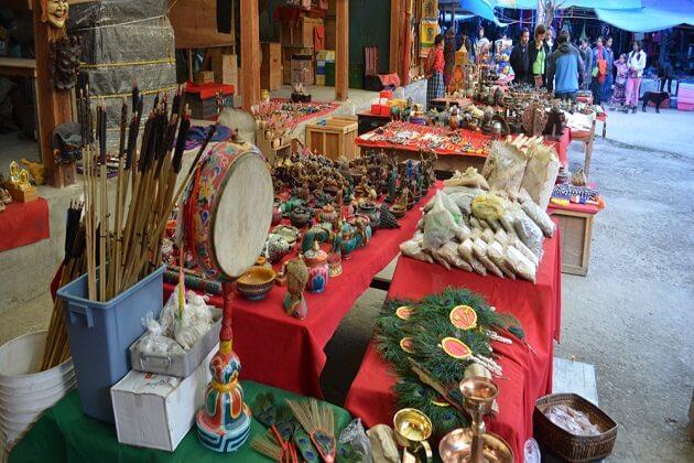 Craft Bazaar - dagala thousand lakes trek