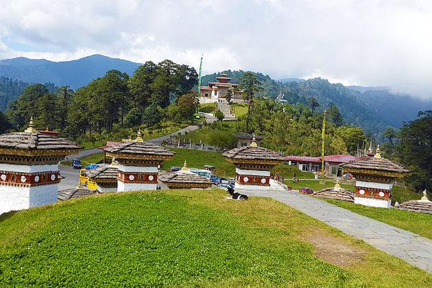 dochula pass hike