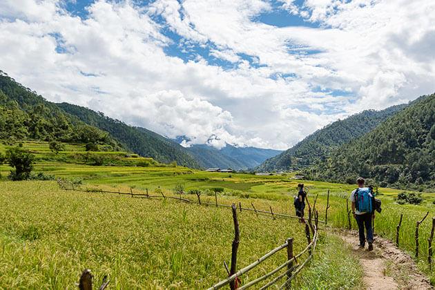 hike to Khamsum Yulley Namgyal Chorten