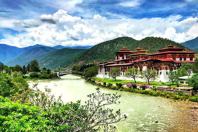 visiting punakha dzong in bhutan new year
